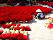 Une vidéo de l'AFP sur le « village de l'encens » de Quang Phu Câu
