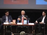 """Table ronde """"Les Vietnamiens dans le monde du travail international"""" à Hanoï"""