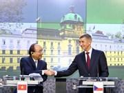 Ouvrir un vaste espace de coopération entre le Vietnam, la Roumanie et la République tchèque