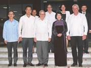 La vice-présidente Dang Thi Ngoc Thinh rencontre des dirigeants cubains