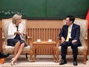 Le vice-PM Pham Binh Minh reçoit la présidente de la région Île-de-France