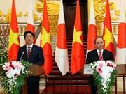 À Hanoi, le PM japonais appelle à développer l'avenir ensemble