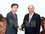 Le Premier ministre Nguyen Xuan Phuc reçoit le président Yonhap