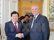 Le vice-Premier ministre Trinh Dinh Dung en visite officielle au Royaume-Uni