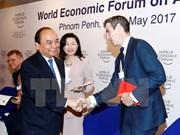 Le Premier ministre Nguyen Xuan Phuc termine ses activités au WEF-ASEAN 2017