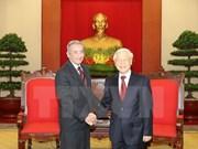 Vietnam et Cuba renforcent l'échange des expériences théoriques