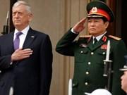 Le ministre vietnamien de la Défense s'entretient avec son homologue américain