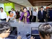 La présidente de l'AN Nguyen Thi Kim Ngan visite l'Université Ton Duc Thang