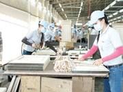 Binh Duong appelle à investir dans des industries de hautes technologies