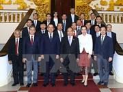 Le Premier ministre demande d'augmenter le commerce bilatéral avec le Laos