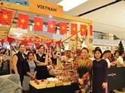 Bangkok: le Vietnam au 64e Bazar de la communauté diplomatique