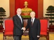 Le secrétaire général du PCV reçoit le secrétaire d'Etat américain à la Défense