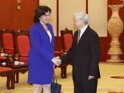 Le leader du PCV Nguyen Phu Trong reçoit l'ambassadrice cubaine