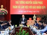 Le chef du gouvernement travaille avec le journal Nhân Dân