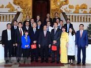 Le PM Nguyên Xuân Phuc invite les entreprises singapouriennes à investir au Vietnam