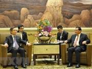 Le secrétaire du CC du PCV Nguyên Van Binh visite la ville de Shanghai