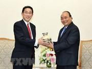 Une délégation du Parti libéral-démocrate du Japon en visite au Vietnam