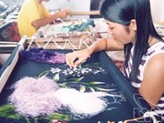 La broderie, une peinture à l'aiguille préservée au village de Quât Dông