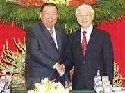 Le leader du Laos effectue une visite de cinq jours au Vietnam