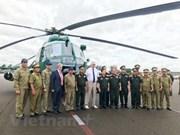 La Russie remet quatre hélicoptères au Laos