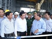 Le PM inspecte la protection de l'environnement de l'aciérie Formosa Ha Tinh