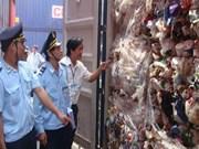 Tour de vis sur l'importation des containers des déchets au Vietnam