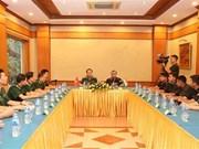 Renforcement des échanges entre des jeunes soldats vietnamiens et indiens