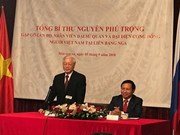 Le secrétaire général du PCV visite l'ambassade vietnamienne à Moscou