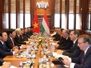 Le Vietnam et la Hongrie signent sept documents de coopération