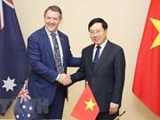 Le vice-PM Pham Binh Minh reçoit le ministre en chef du Territoire du Nord d'Australie