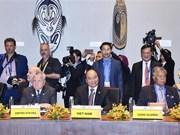 Le PM assiste à des dialogues dans le cadre de l'APEC 2018