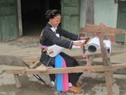 Chez les Cao Lan de Khe Nghè, le métier à tisser la tradition