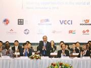 Le PM Nguyên Xuân Phuc s'adresse au Forum des entreprises