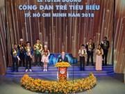 Neuf jeunes citoyens exemplaires de Hô Chi Minh-Ville à l'honneur