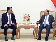 Le PM vietnamien reçoit les ambassadeurs du Chili et du Canada