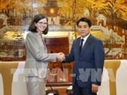 Le président de Hanoi reçoit la nouvelle ambassadrice du Canada