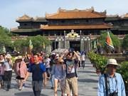 Environ 25.000 touristes visitent Huê lors du premier jour du Têt du Cochon