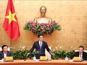 Le vice-PM Vu Duc Dam rencontre des scientifiques dans cinq grands projets
