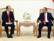 Le PM rencontre l'entraîneur de football sud-coréen Park Hang-seo