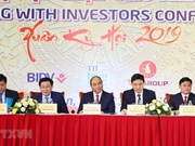 Le PM Nguyen Xuan Phuc assiste à la conférence de printemps des investisseurs à Nghe An