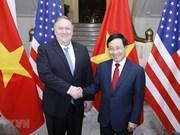 Le vice-PM et ministre des AE Pham Binh Minh s'entretient avec le secrétaire d'Etat américain