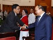 Le Premier ministre reçoit des personnes méritantes de Da Nang