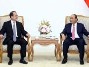 Le Premier ministre Nguyên Xuân Phuc salue les investisseurs de Hong Kong