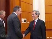 Des parlementaires allemands en visite de travail au Vietnam