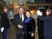 La présidente de l'Assemblée nationale rencontre le président du Sénat français