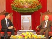 Le SG du PCV et président Nguyên Phu Trong reçoit le Premier ministre néerlandais