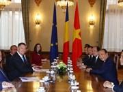 Le PM Nguyen Xuan Phuc rencontre des dirigeants roumains