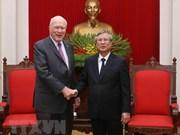 Un dirigeant du Parti se félicite de la visite des sénateurs américains