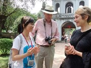Rencontre avec de jeunes ambassadeurs culturels de Hanoi