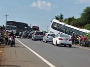 Près de 60 morts sur les routes en trois jours de congés